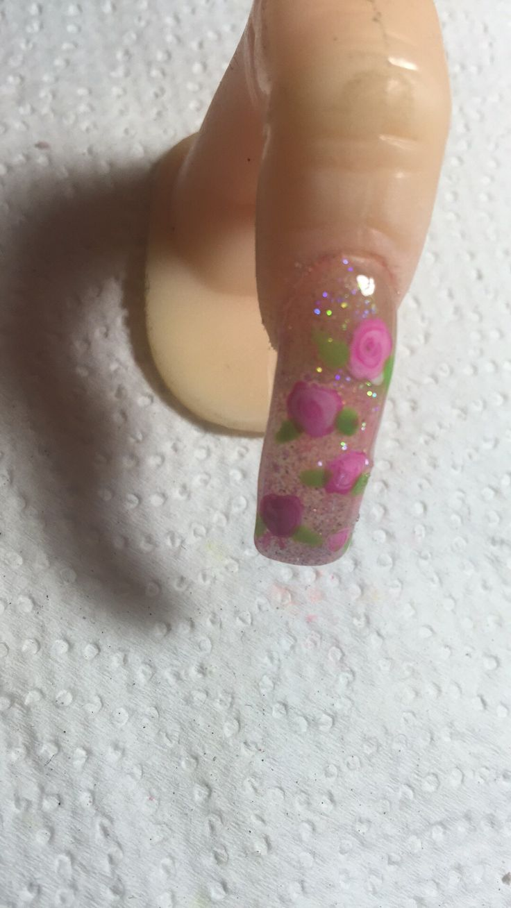 Fondo de Glitter colores rosa/verde/morado intercalados y difuminados con detalles de rosas muy lindo y sencillo!