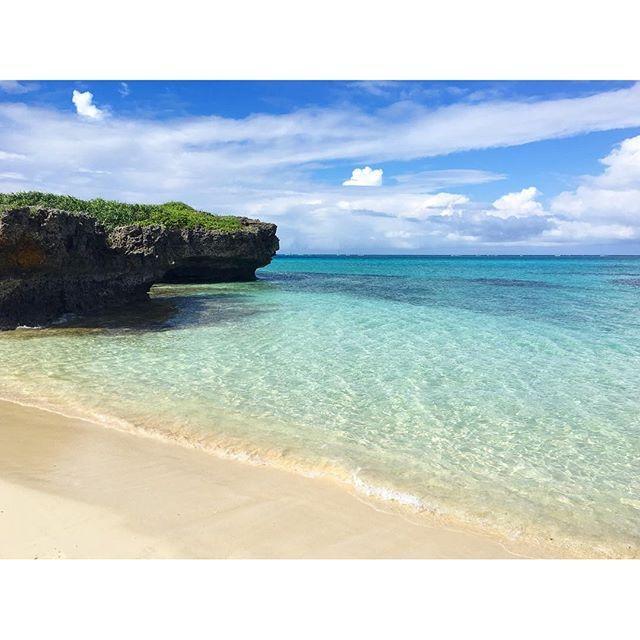 【ku_rara1010】さんのInstagramをピンしています。 《・ ・ 午後は宮古島の北西に位置する池間島に行ってきました♬ 池間島には穴場ビーチがたくさんあります♡ ⑅ ⑅ #沖縄 #宮古島 #池間島 #宮古ブルー #旅 #女子旅 #海 #ビーチ #砂浜 #エメラルドグリーン #リゾート #空 #青空 #雲 #大自然 #景色 #絶景 #okinawa #miyakojima #beach #sea #sky #blue #bluesky #trip》