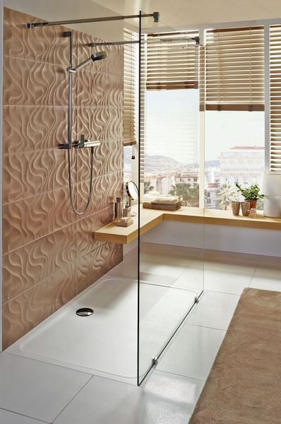 receveur de douche en c ramique en r sine en solid surface ou en acier salle de bain. Black Bedroom Furniture Sets. Home Design Ideas