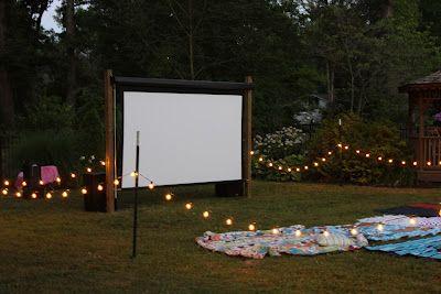 Outdoor Movie Theater Party | bij mooi weer en als ik van iemand een beamer kan lenen...