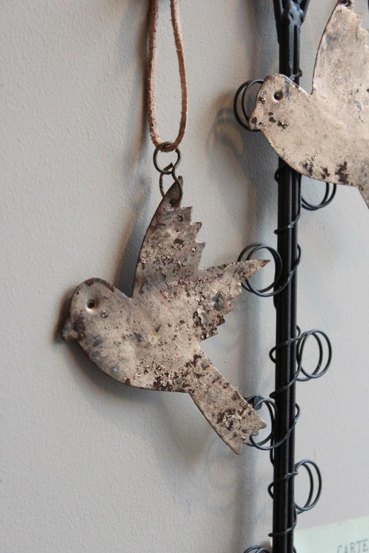 Attic   Rusty Bird Decoration