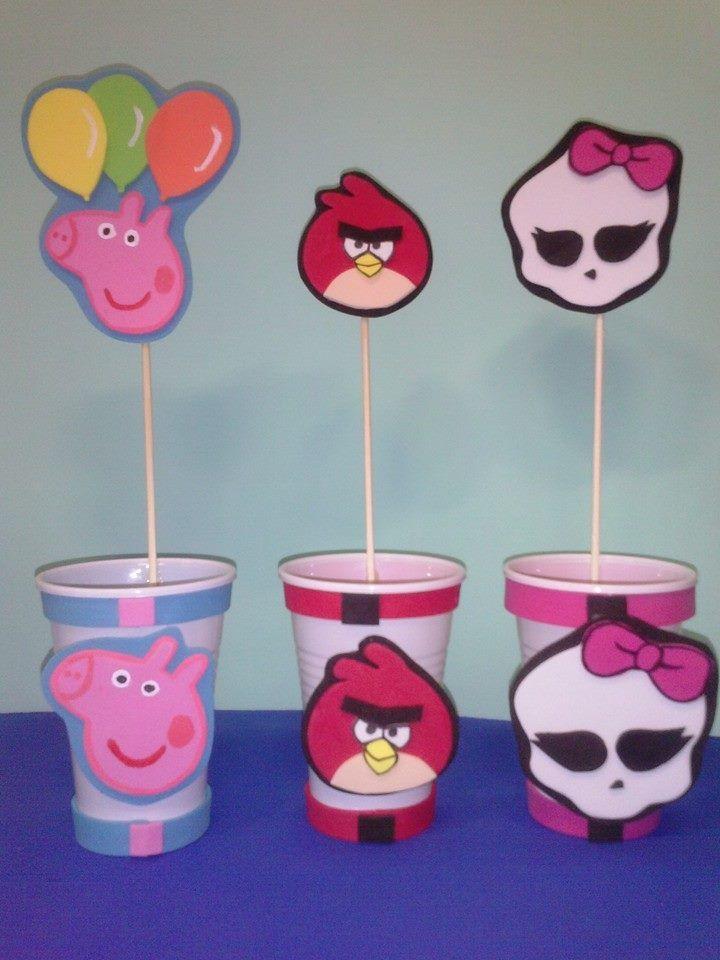 Dulceros en goma eva hechos con un vasito de pl stico - Decorar paredes infantiles con goma eva ...
