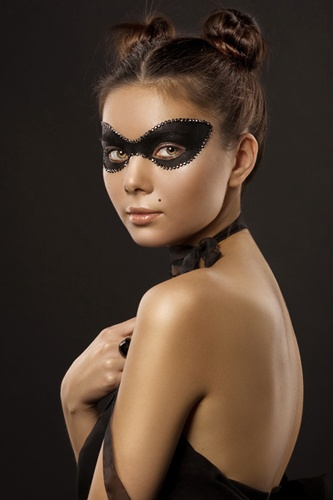 masquerade OMG this would be so chic.. painted on mask - also loving the foxy buns up top