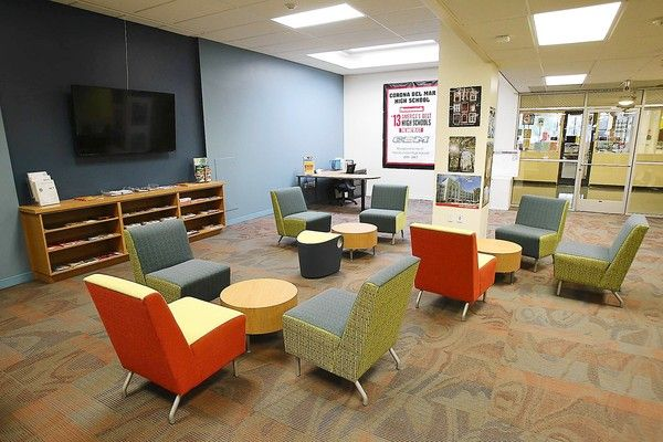 Students Lounge Juniors And Seniors Only