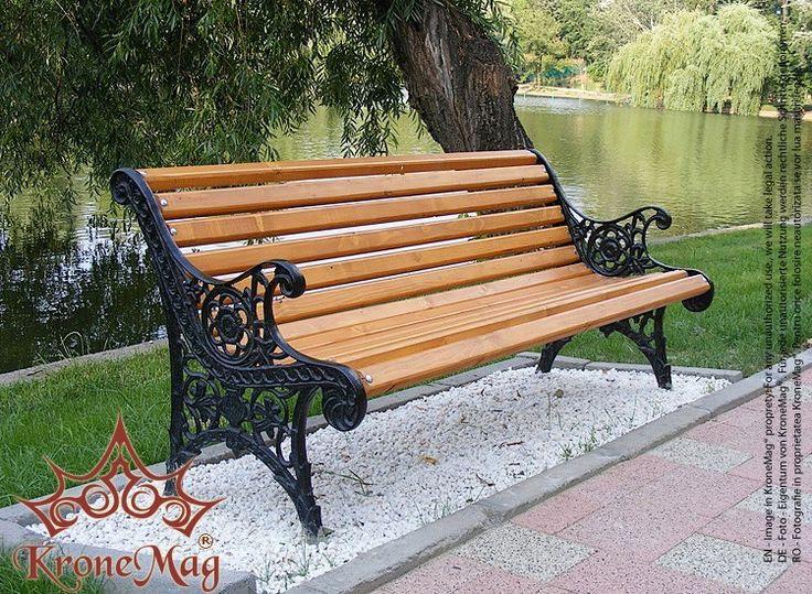 Banca parc, stradala OSLO cu picioare din fonta si elemente lemn de rasinoase.