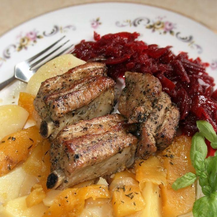 Jednogarnkowe: żeberka pieczone z ziemniakami i dynią