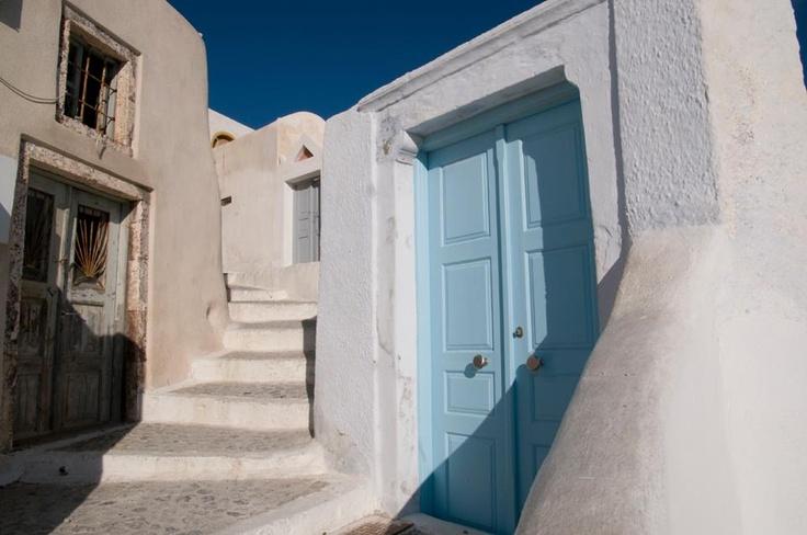 Architecture of the Greek islands | https://www.facebook.com/lifethinktravel