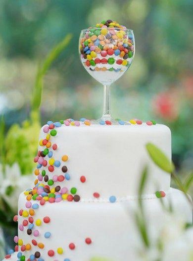 Bunte Hochzeitstorte
