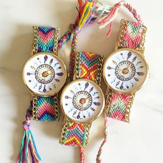 Cheap Nuevo Color atrapasueños amistad reloj, hechos a mano trenzado pulsera de la amistad reloj con Dreamcatcher Dial Ladies Quarzt relojes, Compro Calidad Relojes pulsera mujer directamente de los surtidores de China: