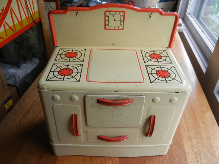 Tin Toy Stove made by Wolverine Supply and Manufacturing Co. by ThomasCollectibles on Etsy
