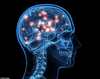 Man Eats This Twice A Day & It Slows Down The Effects of His Alzheimers Disease!   The theory of Dr.|  Mary Newport if proved to be accurate could be one of the major natural health discoveries of all times. Namely she claims that ketone bodies which are produced in the body during the digestion of coconut oil can serve as alternative brain fuel. She also maintains that this oil offers numerous benefits in the treatment of Alzheimers disease.  She actually fought with this disease by herself…