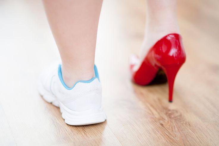Andar de salto alto pode afetar suas performance. Entenda!