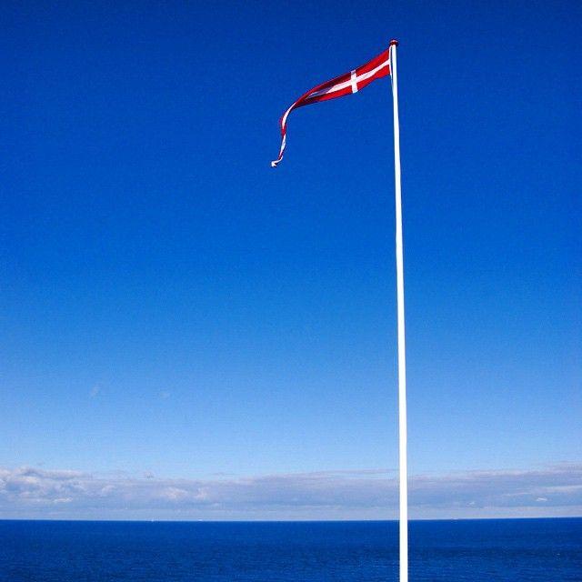 Dannebrog - dänische Flagge #dannebrog #gudhjem #bornholm