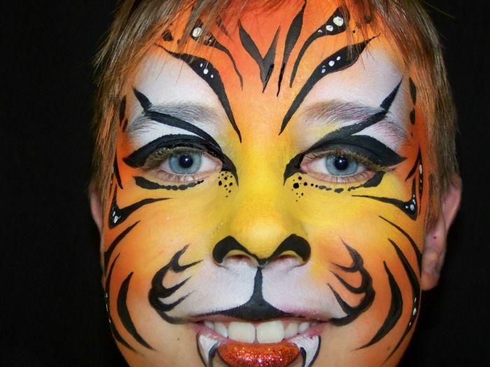 maquillage pour enfants, peinture visage tigre et vampire, idées maquillage enfant