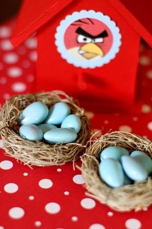Adorable decor for an Angry Birds birthday party theme {Photo by Save the Date Events}