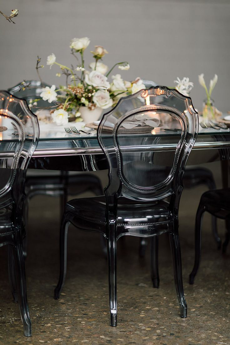 smoking glass wedding ideas - photo by Purple Tree Photography http://ruffledblog.com/refined-wedding-ideas-with-a-monochrome-palette