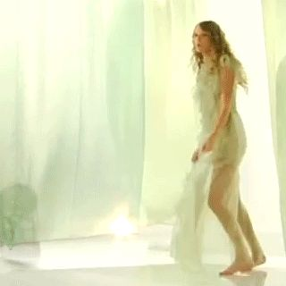 Awkward Taylor Swift Dancing. My favorite thing lately ;)