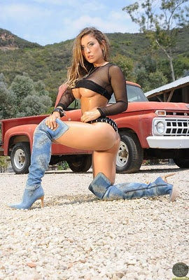old truck nude girl