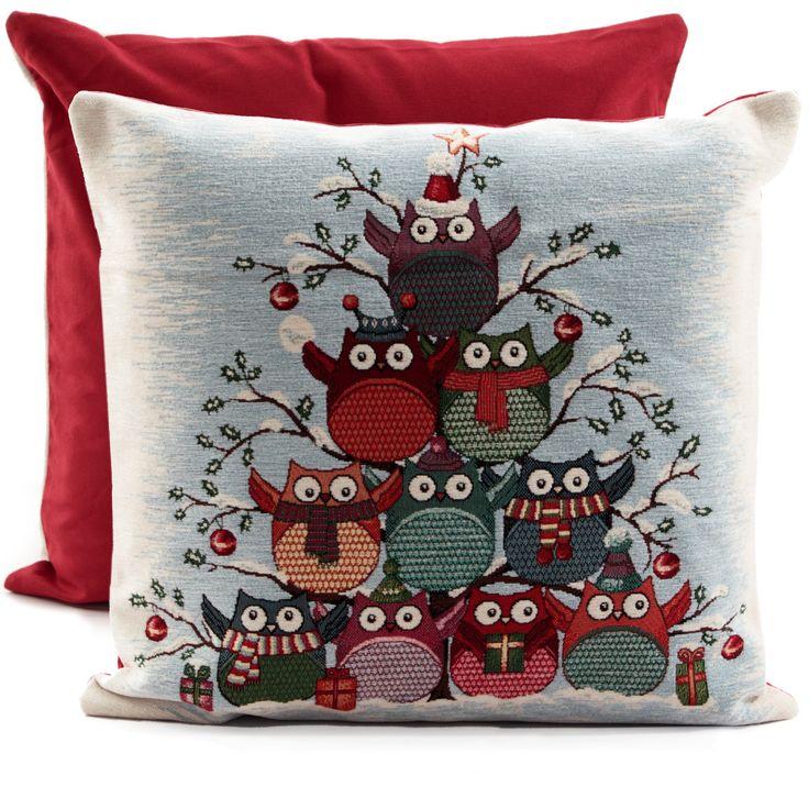 Regala alla tua casa una magica atmosfera natalizia con il cuscino in gobelin cinigliato.  Made in Italy #Cuscini #Gufi #Natale #Arredamento #Sala #Divano #Decor #Owl #Christmas #Natale #Rosso #Casabiancheria