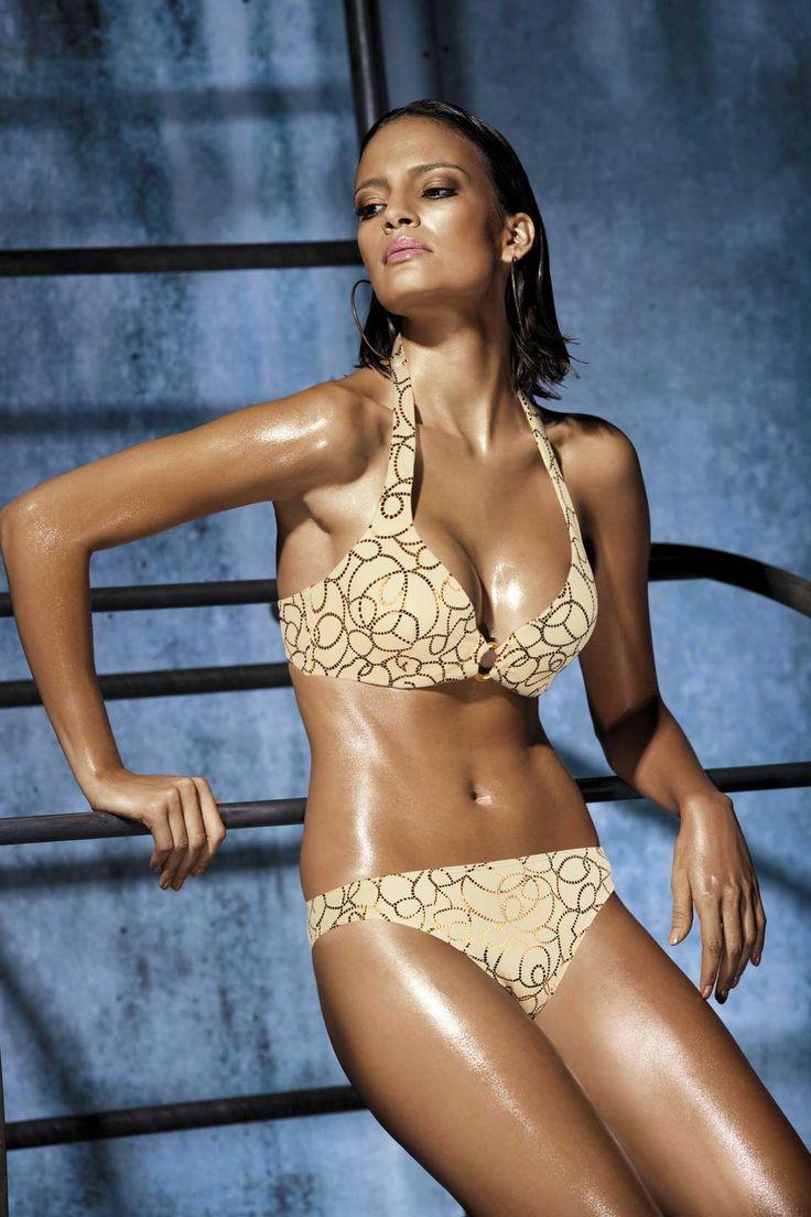 YouR On Talk About It.: [Bikini Block]: Shalana Santana, Sexy babe