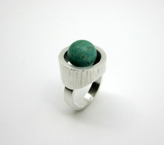Vintage sterling silver ring with a round green Amazonite stone
