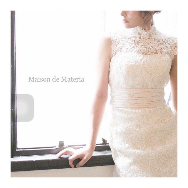 デコルテにレースがあるだけで 第一印象がぐっとかわる 私らしい1着を求めて #maisondemateria#wedding #weddingdress#ウェディングドレス #神戸#大阪#プレ花嫁#花嫁#ブライダル#結婚式#ドレスショップ#メゾンマテリア