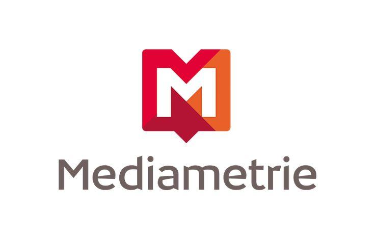 Médiamétrie intègre davantage le replay dans ses audiences  Depuis le 29 septembre, Médiamétrie intègre une partie de l'audience différée dans les chiffres publiés quotidiennement à 9 heures. Il s'agit d'une petite révolution. Jusqu'alors, la catch-up n'était que très partiellement prise en compte dans les audiences des chaînes.  http://www.artofteasing.fr/article/20140930-mediametrie-replay-audiences/  #Médiamétrie #audiences #replay #catchup