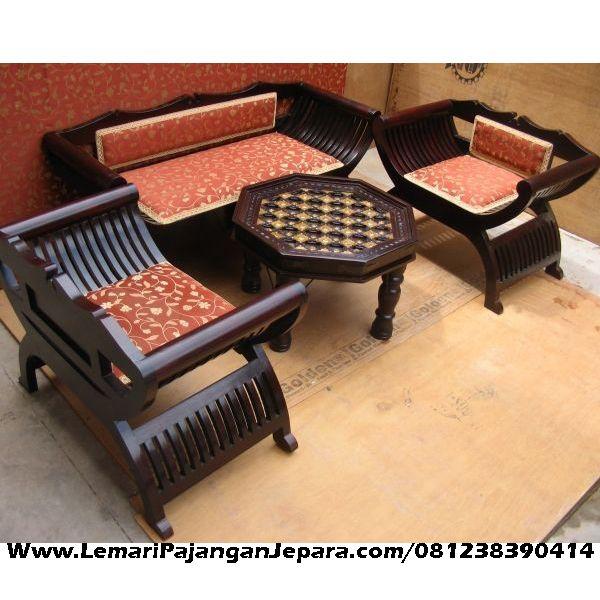 Jual Kursi Tamu Jati Lengkung merupakan Produk Mebel asli dari Jepara dengan Desain Meja Minimalis Bundar Dan Kursi Jari Jari Lengkung kayu Jati Jepara