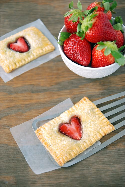 Awww, these would be such a perfect treat for Valentine's Day: Strawberry