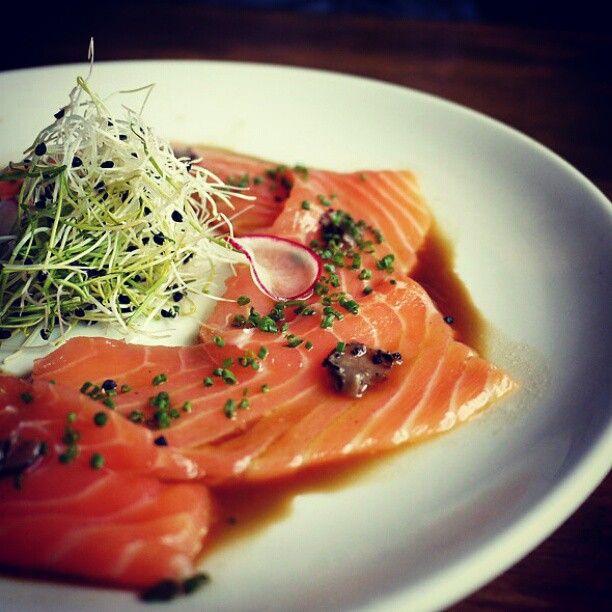 Tiradito de Salmon para un viernes en la noche...