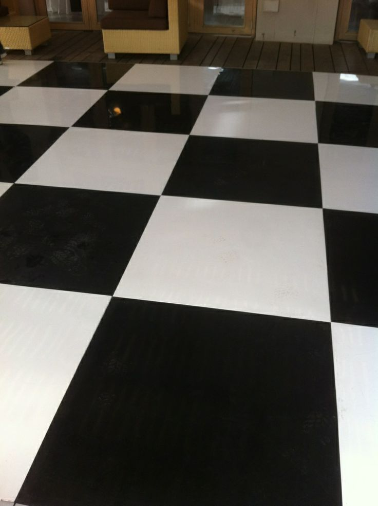 black & white check ABS floor