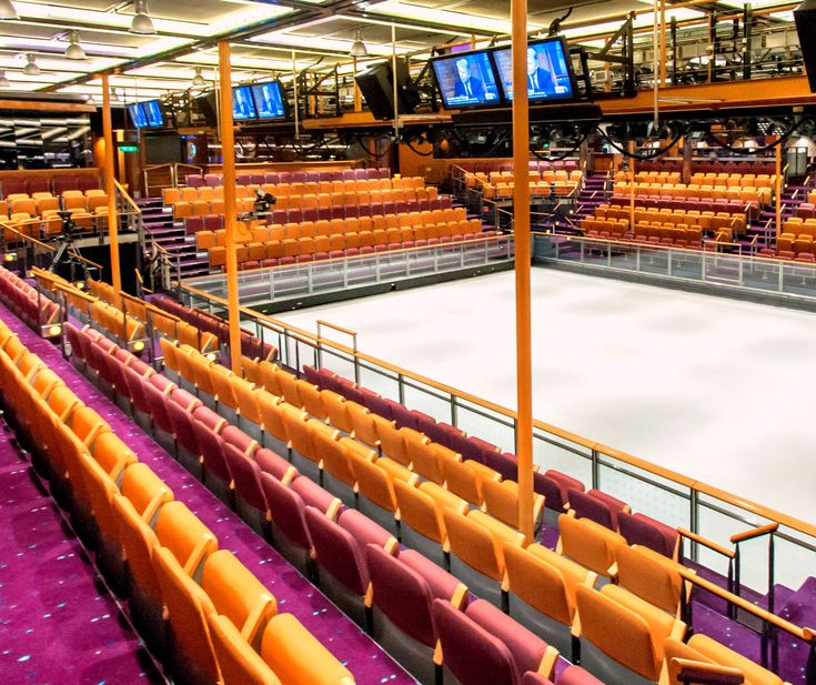 Ice skating rink on Adventure of the Seas.