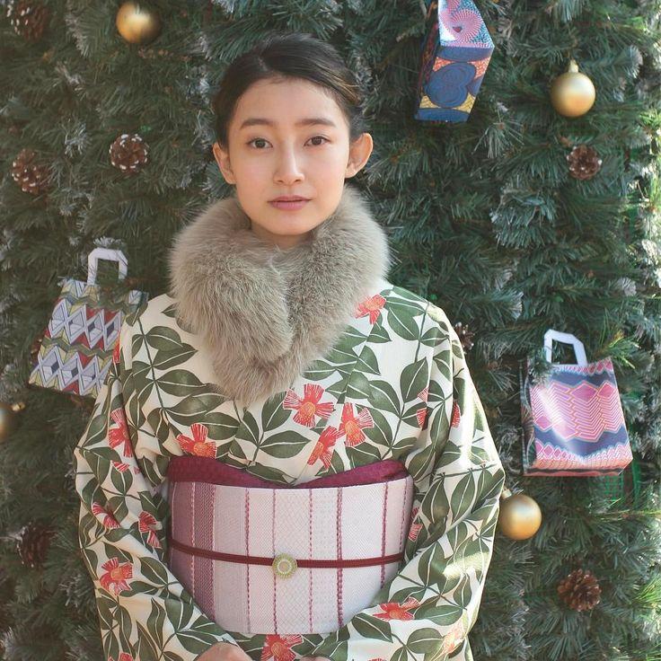 クリスマスコーディネート✨ ・ ・ ・ #きものやまと #着物 #きもの #キモノ #kimono #和装 #着物コーディネート #着物女子 #洗えるきもの #ふだん着物 #christmas #きものがある日常
