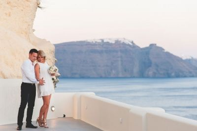 Romantic proposal at Canaves, Santorini, Greece Photo by #Phosart #photography & #Cinematography See more http://photographergreece.com/en/photography/proposals/787-romantic-destination-wedding-proposal-at-canaves-oia-santorini