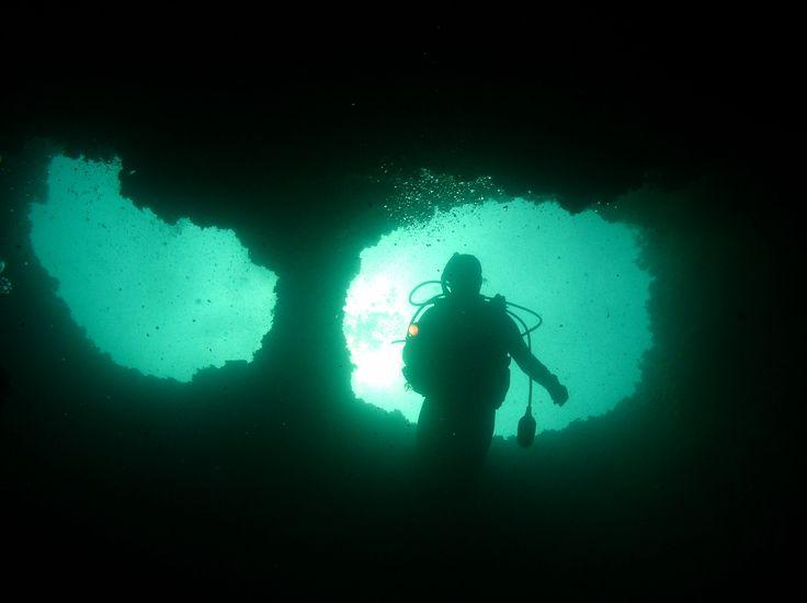 Explora nuestras cuevas submarinas #Xàbia #costablanca #buceo #scubadiving #plongée #tauchen #diving #costablanca
