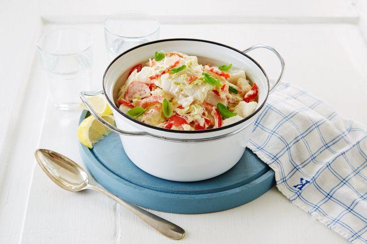 Denne gryteretten med fisk og friske grønnsaker er et bevis på at det er enkelt med fisk til middag, og veldig, veldig godt!