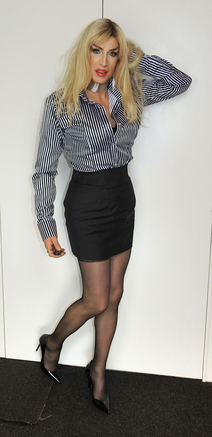 Pin by M on Offices   Mini skirts, Fashion, Leather skirt