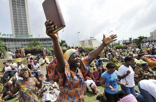Les autorités de la République démocratique du Congo (RDC) ont ordonné aux Eglises et autres confessions religieuses de Kinshasa, la capitale, de ne plus occuper la voie publique et d'éviter les tapages diurnes et nocturnes, à compter du 25 juin 2017. Cette décision a été annoncée par le commissair
