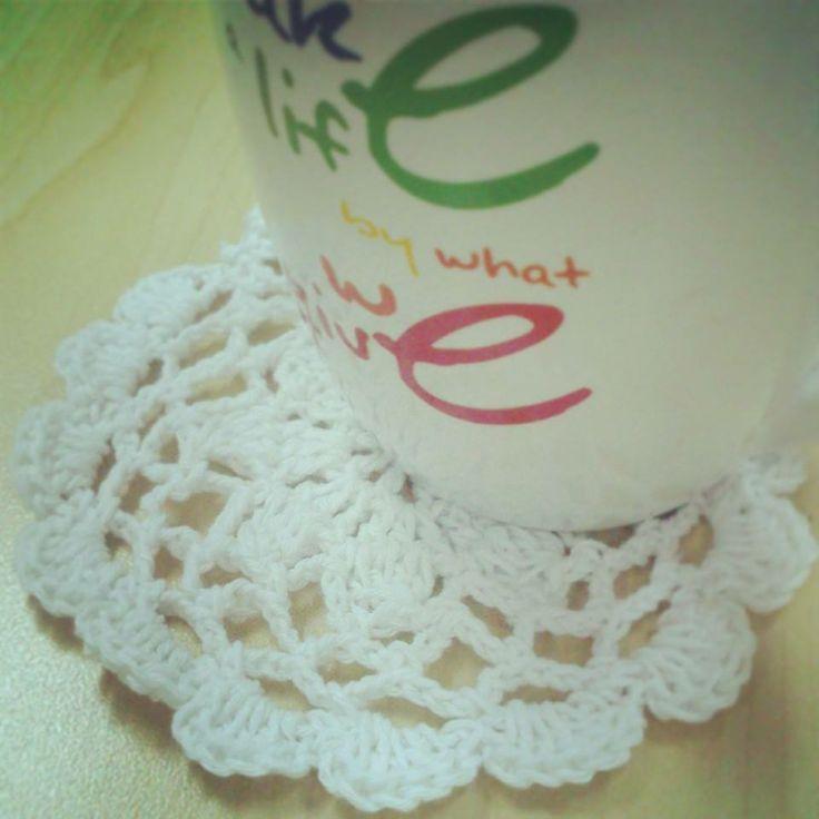 Doily agaaaiiiin.  Material : ICT Plain - White  [facebook] Handmade Passion