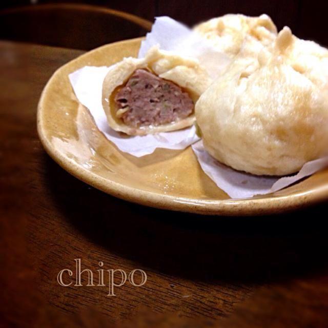 こんばんは〜 ずっと作りたかった肉まんを作ってみました お肉たっぷり肉まんが自宅でできるのは楽しいですね(≧∇≦) 今夜の夕飯に2個食べました(お腹いっぱいです) 美味しかったです  ごちそうさまでした(≧∇≦) - 93件のもぐもぐ - プーティさんの料理 肉まん&ピザまん♡作ってみました〜(≧∇≦) by toshitsumi191