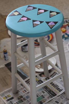 Worth Pinning: Hand Painted Stool Before & After