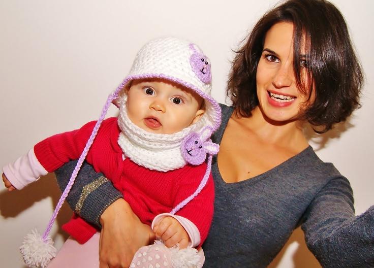 COMPLETO MARTINA cappello + collo + spilla coniglietto ordinabili anche divisi. Colori e misura su richiesta. Lana baby anallergica.