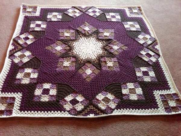 Quilt-inspired #crochet blanket pattern from Leisure Arts, image on Ravelry by CyndieLynn