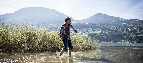 Erholung in der Natur Alpsee Blog - Alpsee Camping - rufe dir alle News direkt ab https://www.alpsee-camping.de  #Allgäu #Oberallgäu #Alpsee #Natur #Event #Camping #Campingplatz #Camperleben #Immenstadt #Bühl #Berge #Alpen #Wandern #Biken #Wassersport #Klettern #Kinder #Familie #Sportler #Alpenluft