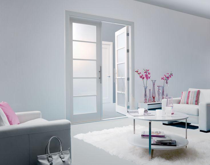 Gelakte dubbele deur met opaal glas
