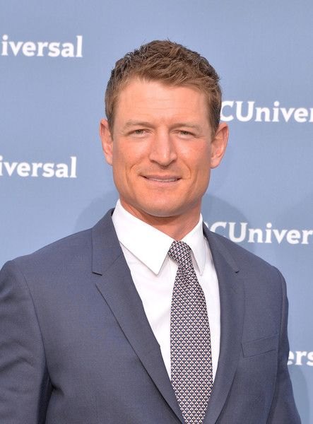 Philip Winchester Photos Photos - Actor Philip Winchester attends the NBCUniversal 2016 Upfront Presentation on May 16, 2016 in New York, New York. - NBCUniversal 2016 Upfront Presentation
