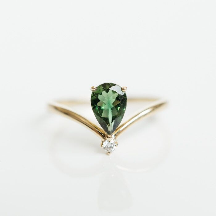 Solid 18k gold V shape green tourmaline diamond ring, rose gold, white gold, platinum 950 14k 18k gold engagement wedding anniversary ring by LILOOKS on Etsy https://www.etsy.com/listing/293202233/solid-18k-gold-v-shape-green-tourmaline