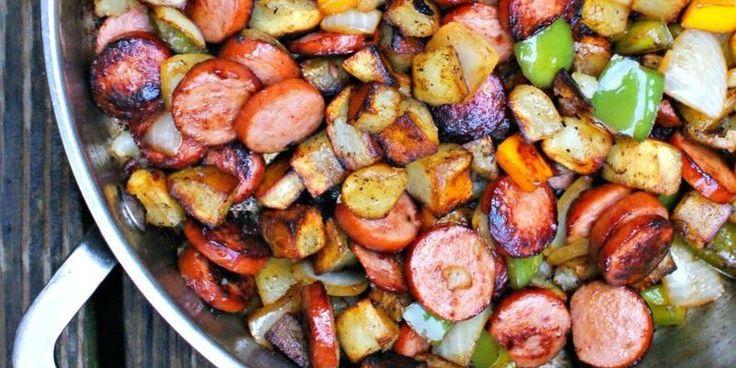 Τηγανιά με λουκάνικο γαλοπούλας πατατούλες & πιπεριές
