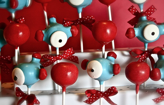 Airplane Cake Pops!