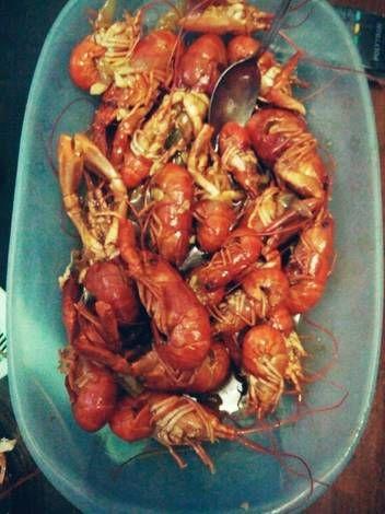 Lobster goreng mentega siram saus tiram